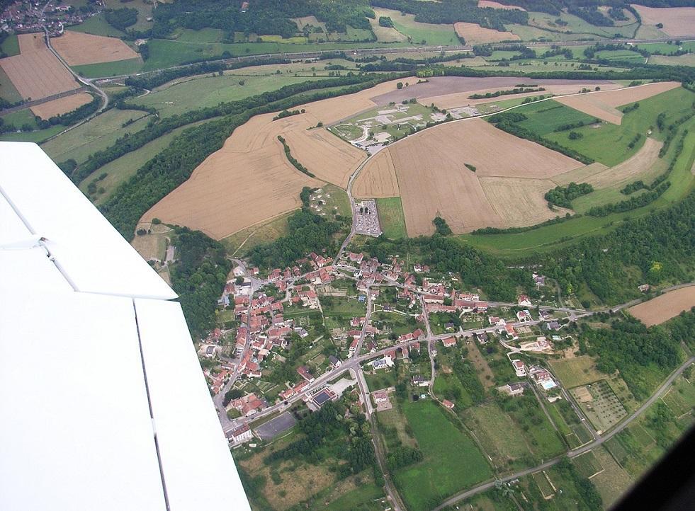 Vue aérienne d'Alise-Sainte-Reine